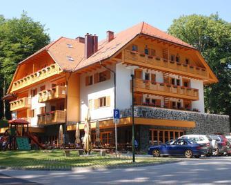 Aparthotel Snjezna Kraljica - Stubičke Toplice - Building