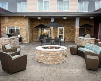 Residence Inn Cleveland Avon at The Emerald Event Center - Avon - Патіо