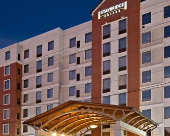 Staybridge Suites Indianapolis Downtown - Convention Center, An IHG Hotel - Indianapolis - Gebouw