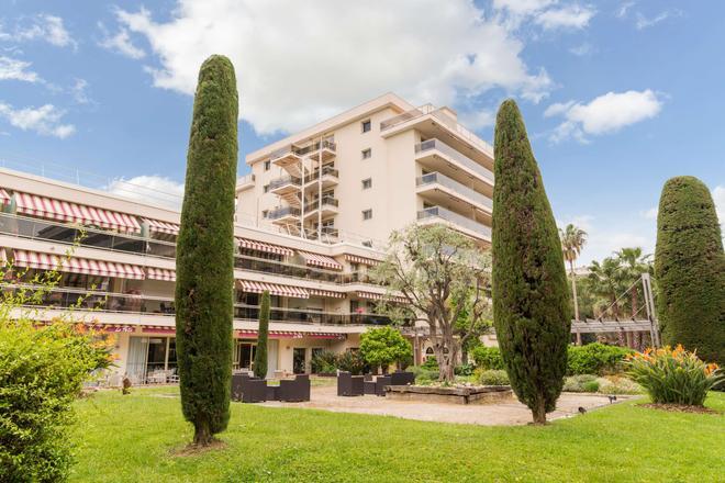 The Originals Boutique, Hôtel Les Strélitzias, Antibes Ouest (Inter-Hotel) - Antibes - Building