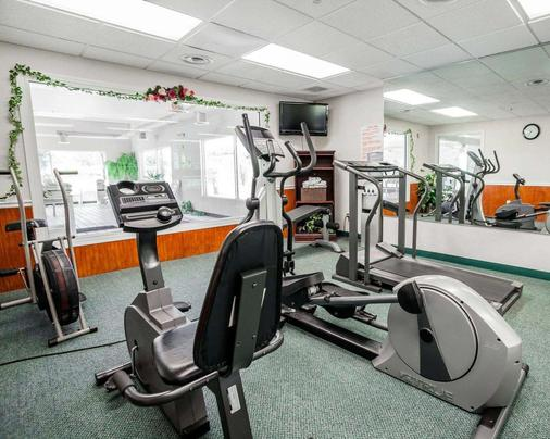 Quality Inn - Kingdom City - Gym