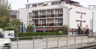 Hotel Restaurant Bahnhof Zollikofen - Zollikofen - Edificio