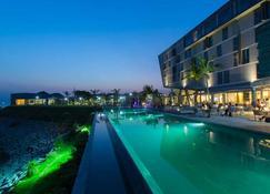 Noom Hotel Conakry - Conakry - Edificio