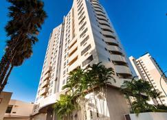 Comfort Suites Brasilia - Brasilia - Bygning