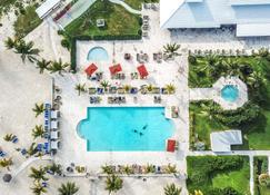 Viva Wyndham Fortuna Beach Resort - Freeport - Piscina