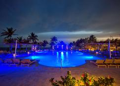 Viva Wyndham Fortuna Beach Resort - Freeport - Piscina