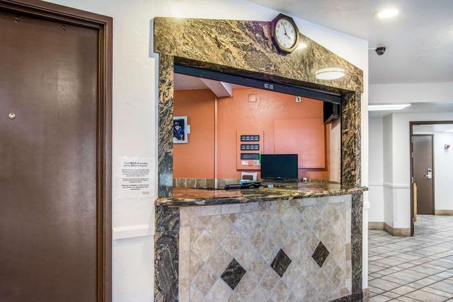 Motel 6 Portland - Wilsonville - Wilsonville - Front desk