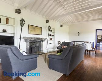 Casas do Monte - Capelas - Living room