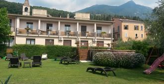 Hotel Eden - Toscolano Maderno - Vista del exterior