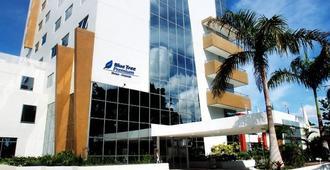 Blue Tree Premium Manaus - מאנואס