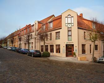 Hotel Garni Zum Eichwerder - Templin - Building