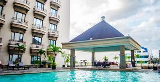 Mega Anggrek Hotel & Convention - ג'קרטה