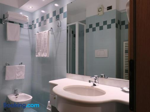 Garni Dello Sportivo - Madonna di Campiglio - Bathroom
