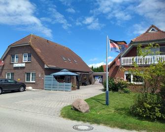 Naturwert Hotel Garni Ursula - Greetsiel - Будівля