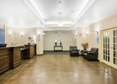 Holiday Inn Express Hotel & Suites Prince Albert - Prince Albert - Lobby
