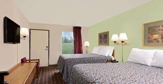 Days Inn Cleveland - Cleveland - Bedroom