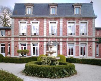 Manoir le Louis XXI - Cambrai - Building