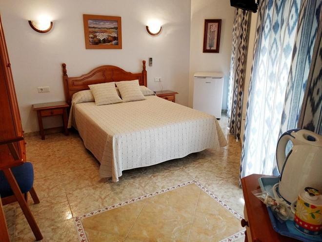 安達盧西亞旅館 - 內爾哈 - 臥室