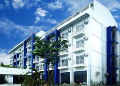 Ndn Grand Hotel - Santo Tomas - Gebäude