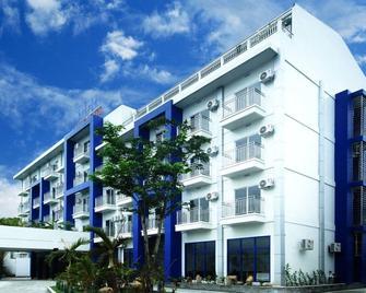 Ndn Grand Hotel - Santo Tomas - Building