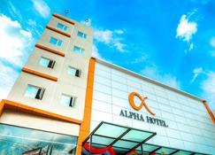 Alpha Hotel - Pekanbaru - Building
