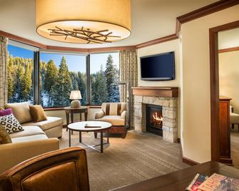 Resort at Squaw Creek, a Destination by Hyatt Residence - Olympic Valley - Living room