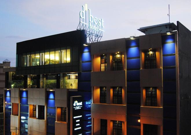 D'Best Hotel Bandung - Bandung - Bâtiment