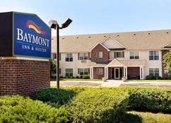 Baymont by Wyndham Wichita East - Wichita - Bangunan