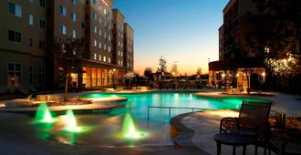 Courtyard by Marriott San Antonio Six Flags at The RIM - Σαν Αντόνιο - Πισίνα