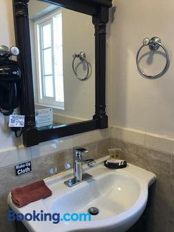 Morro Crest Inn - Morro Bay - Bathroom