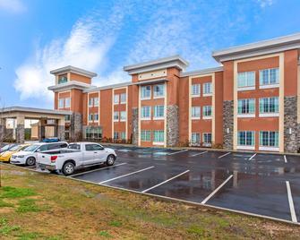 La Quinta Inn & Suites by Wyndham Cullman - Каллмен - Building