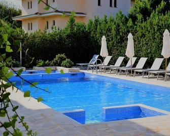 Apartamentos Sureda - Каньямель - Pool