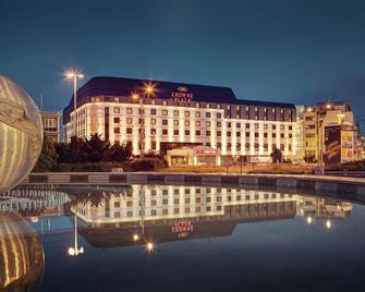 Crowne Plaza Bratislava - Bratislava - Building