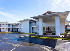 Motel 6 Pendleton - Or - West - Pendleton - Building