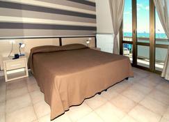 Hotel Velus - Civitanova Marche - Bedroom