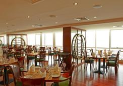 Golden Tulip Sharjah - Sharjah - Restaurant