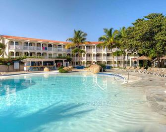Lifestyle Tropical Beach Resort and Spa - Puerto Plata - Building