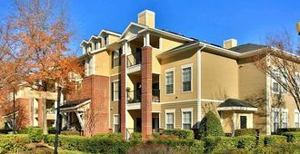 Oakwood Raleigh at Brier Creek - Raleigh - Edifício
