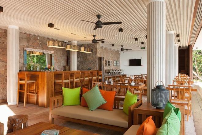 Le Relax Luxury Lodge - La Digue Island - Bar