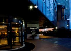 Starhotels President - Génova - Edificio