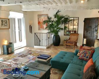 Guest App'Art - Tourrettes-sur-Loup - Living room