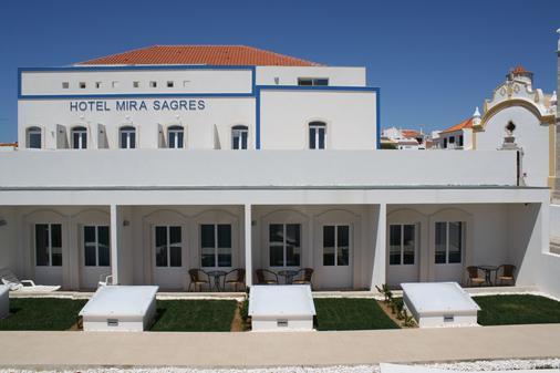 Hotel Mira Sagres - Vila do Bispo - Building
