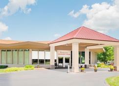 รามาดา โฮเทลแอนด์คอนเฟอเรนซ์เซ็นเตอร์ บายวินด์แฮม เล็กซิงตันนอร์ท - เล็กซิงตัน - สถานที่ท่องเที่ยว