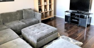 Cozy 3 Bdrm 1100 Sqft Home Close To Downtown Sj & Airport - San Jose - Sala