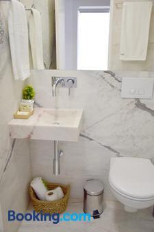 Living Santa Cruz - Coimbra - Bathroom
