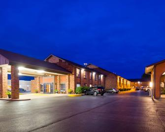 Best Western Falcon Plaza - Bowling Green - Building