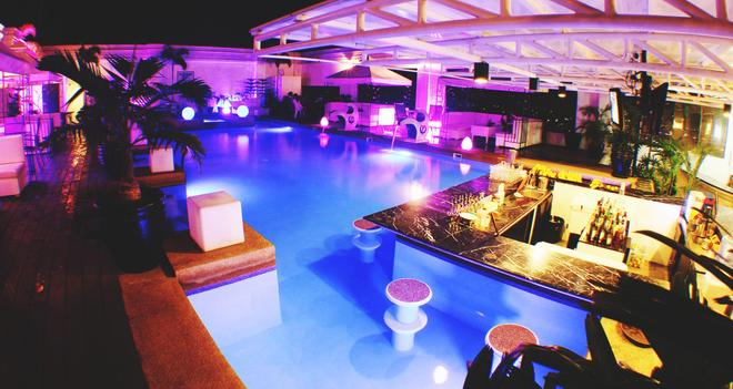 The Penthouse Hotel - Angeles City - Pool