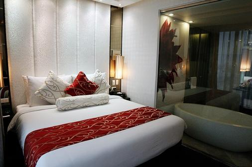 The Penthouse Hotel - Angeles City - Bedroom