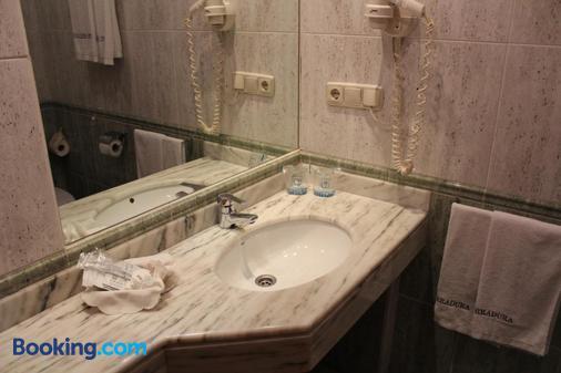 Hotel Herradura - Santiago de Compostela - Bathroom