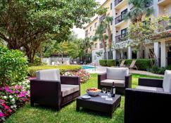 Courtyard by Marriott Fort Lauderdale Coral Springs - Coral Springs - Patio